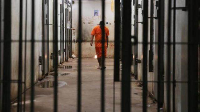 9 г. затвор за мъж, за притежание на наркотици и отвличане на жена