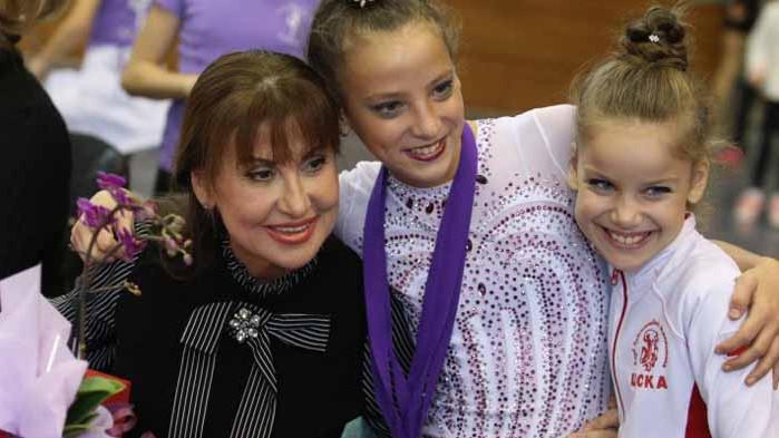Раева преизбрана за шеф, изненада с Владинова