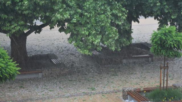 Един загинал при бурята в събота в Ботевградско