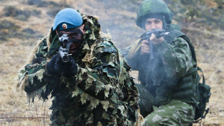 Войници от Русия и Узбекистан започнаха съвместни военни учения близо