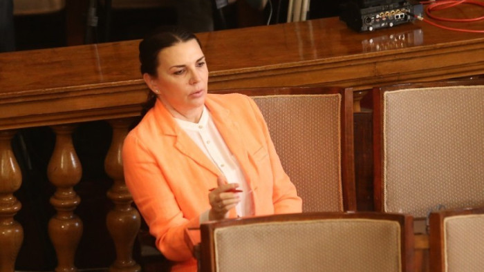 Председателят на СЕМ Бетина Жотева обмисля да се обади първо