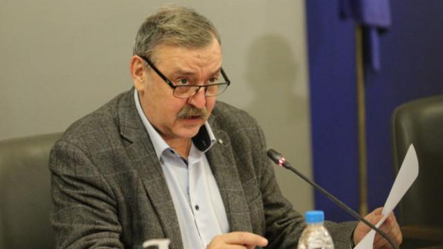 Кантарджиев алармира: 20 дни до пикът, а нищо не се прави за организацията на болничната помощ