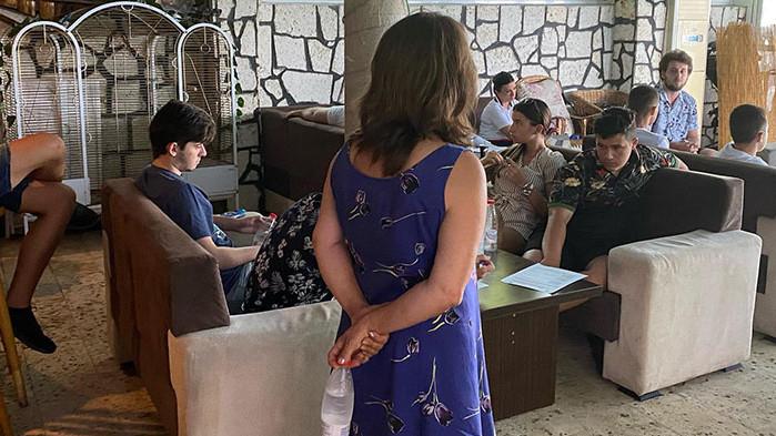 """Семинар събра участниците в """"Обединени срещу агресията"""" на брега на морето край Варна"""