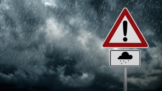 Порой нанесе щети и блокира пътища в община Тервел