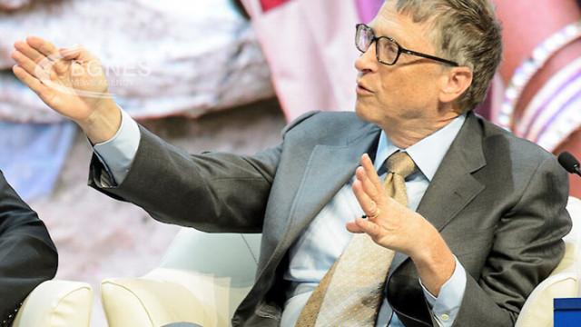 Бил Гейтс падна на пето място в списъка на най-богатите хора