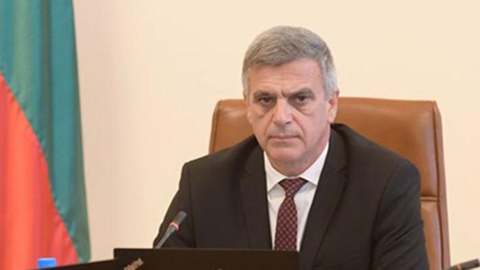 """Министърът отговаря на питане: Децата на премиера работят в БЕХ и в """"Булгаргаз"""""""