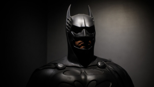 Вал Килмър разказва за костюма на Батман