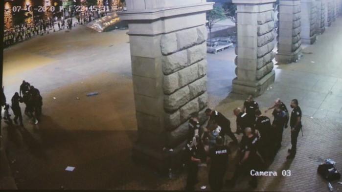 Хаджигенов твърди, че полицаите не са знаели, че сградата на