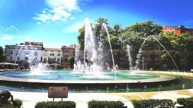Слънчево и топло във Варна