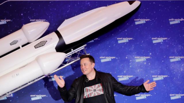Илон Мъск, Starship и кога корабът на SpaceX изпрати хора на Луната