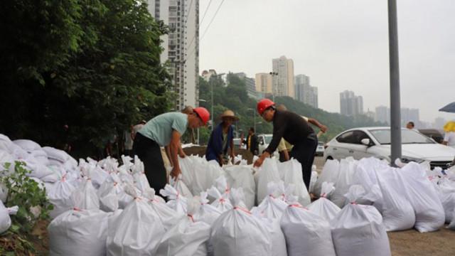Китай очаква наводнения и повишаване нивата на реките