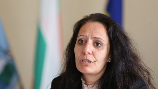 """Кметът на """"Красно село"""" във втори конфликт на интереси, сключила е трудов договор с дъщеря си"""