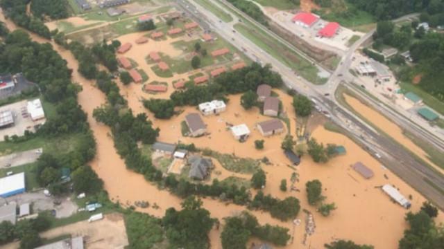 Наводнения в Тенеси взеха 21 жертви