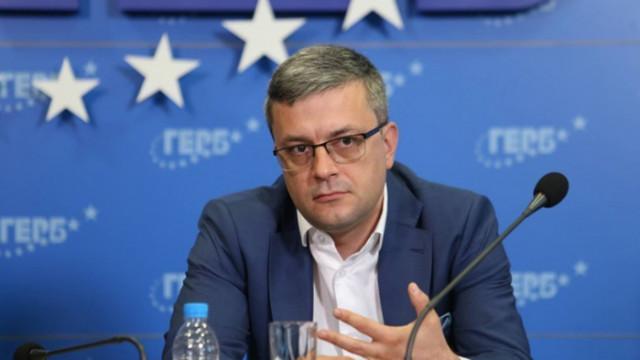 Тома Биков отдаде ниската избирателна активност на машините
