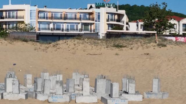 """АКФ иска премахване на незаконния строеж на плаж """"Смокиня"""""""
