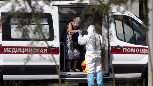 Смъртността сред заболелите от COVID-19 в Русия за пръв път надхвърли 50 000 за месец