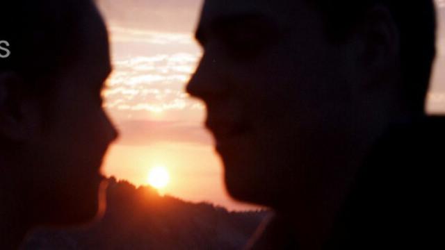 Слънчевата светлина ни кара да се влюбваме