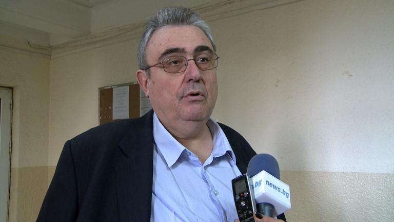 Огнян Минчев предлага училищата да затварят последни при нов локдаун