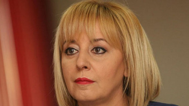 Женска свада в парламента, намесиха посещения в офиса на Божков и спални