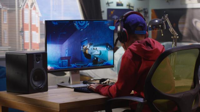 Забраняват на китайците да играят компютърни игри