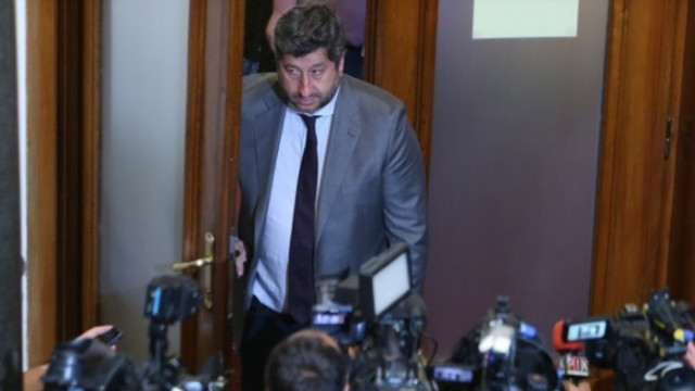 Балабанов за Христо Иванов: Десен лидер, който е готов на всичко в името на... себе си