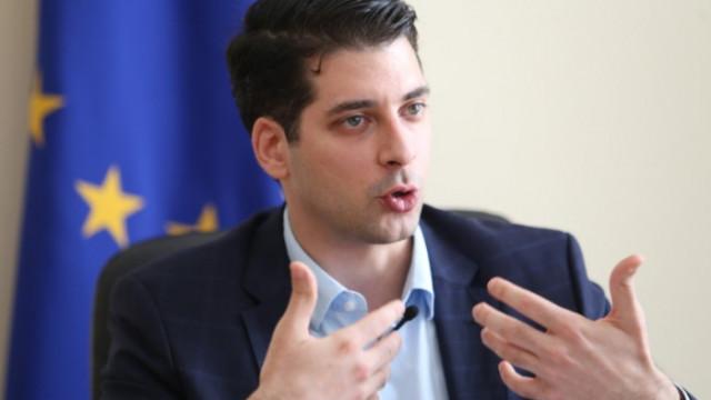 След месеци бавене: Пеканов се разбърза с Плана за възстановяване