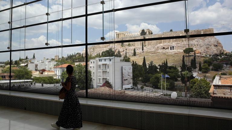 И в Гърция заговориха за затваряне на училищата