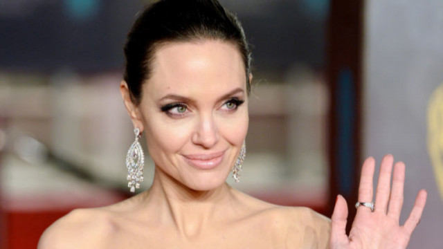 Какво четат дъщерите на Анджелина Джоли