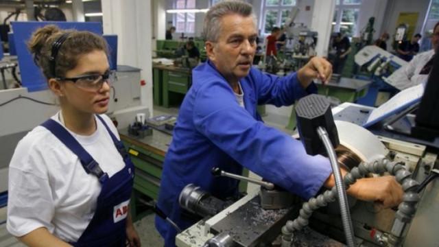 Рекорден обем на поръчките на германските предприятия изненада анализаторите