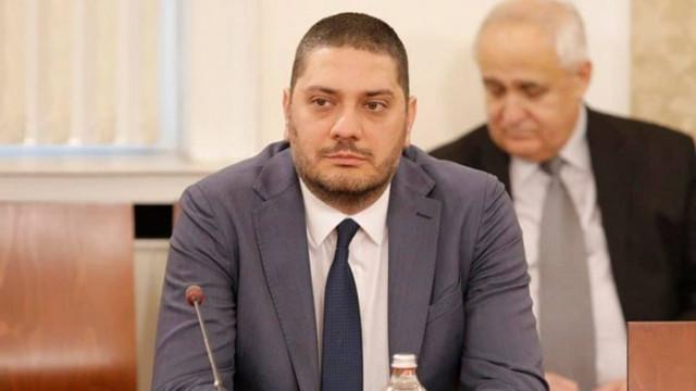 """Гаджев: Вместо да гледаме бюджетите - """"новите"""" партии си избират членове на делегации"""