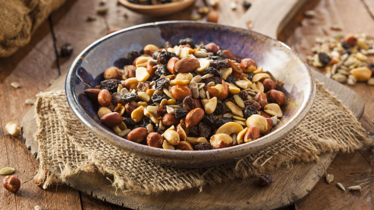 Домашно изпечен микс от ядки по рецепта на диетоложката Лорън Менакър