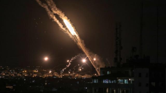 Израел и Газа си размениха въздушни удари