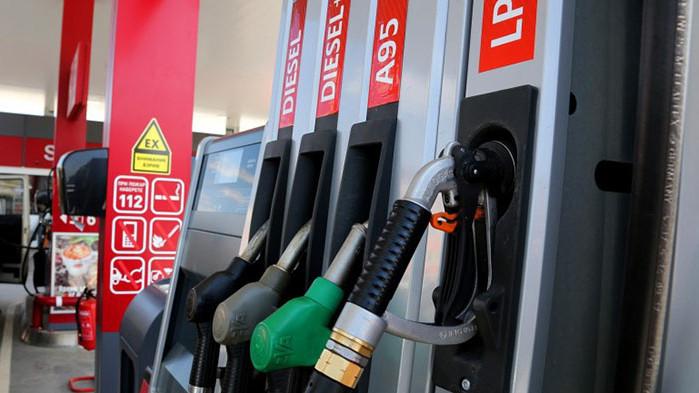 Затягат данъчния контрол върху търговията с горива