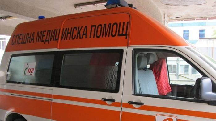 Криминално проявен намушка трима в Габрово, жена е с опасност за живота
