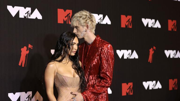 Меган Фокс и появата и на червения килим на MTV