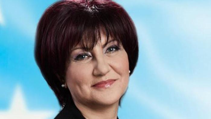 Караянчева за уволнението на проф. Балтов: Радев, усмири глутницата