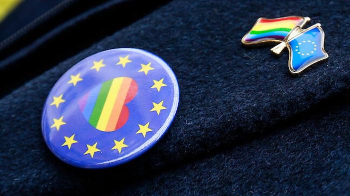 ЕП: Еднополовите бракове и партньорства трябва да бъдат признати в целия ЕС