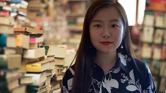 Учителка от Китай преведе на родния си език 18 стихотворения на Дамян Дамянов