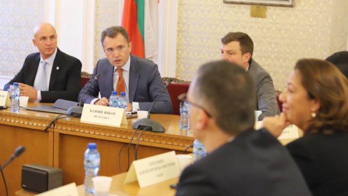 """Без кворум и без присъствието на Доган в последното заседание на комисията """"Росенец"""""""