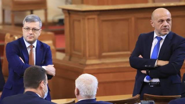 Биков: С новият проект Радев разчиства част от протестните партии