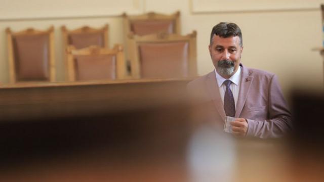 Филип Станев пак обижда Дончева: Медуза, която се е разпаднала от собствената си отрова