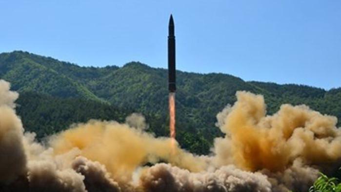 Северна Корея изстреляла две балистични ракети в морето