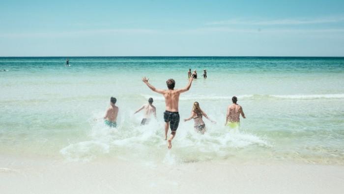 МОН: Спрените безплатни почивки ще могат да се организират и през 2022 г.