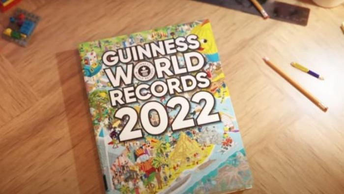 Книгата със странни рекорди излезе на пазара днес От кучето