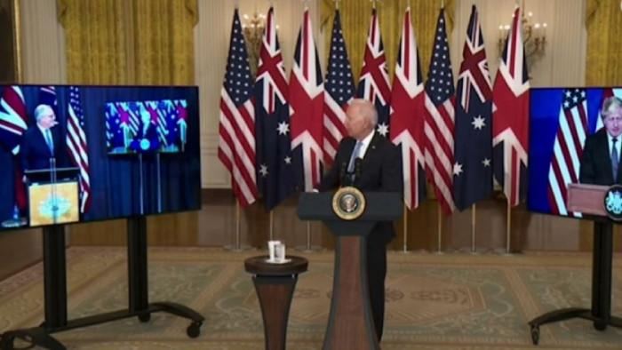 """Джо Байдън забрави името на австралийския премиер и го нарече """"онзи колега там долу"""""""