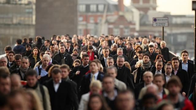 Защо близо 50% от служителите в Европа и САЩ планират да напуснат работата си скоро?