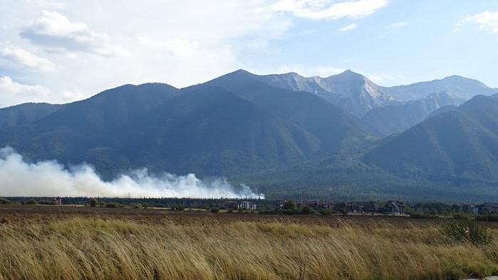 Локализиран е пожарът в Пирин
