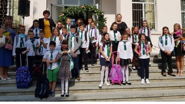 При строги противоепидемични мерки стартира новата учебна година в училищата в Аспарухово