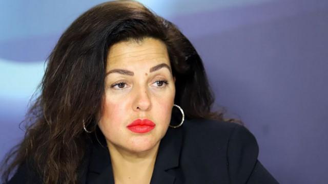 Цветанка Андреева: Екзотичен ход – ляв президент прави десен проект
