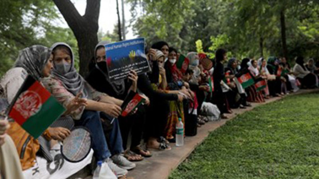 Афганистанки протестират за човешките си права